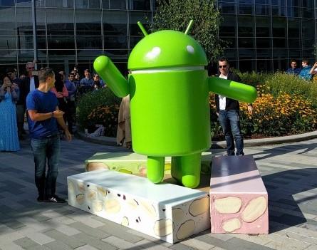 Patung Android Nougat