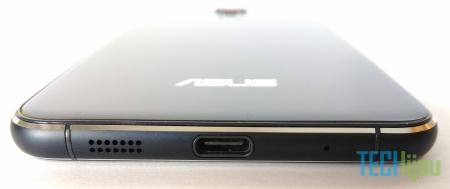 Detail bagian bawah Zenfone 3