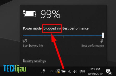 Ngecas laptop baterai tanam sambil digunakan